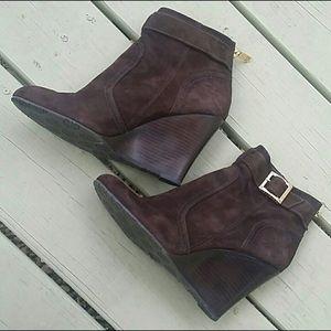 Damaged Tory Burch Wedge Heel